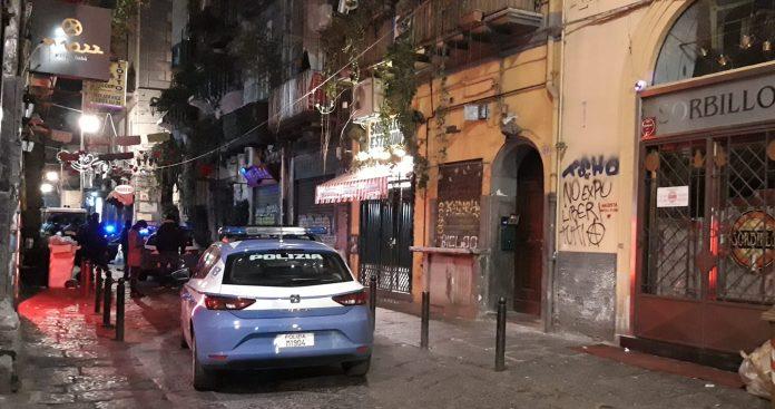 Bomba contro la pizzeria Sorbillo