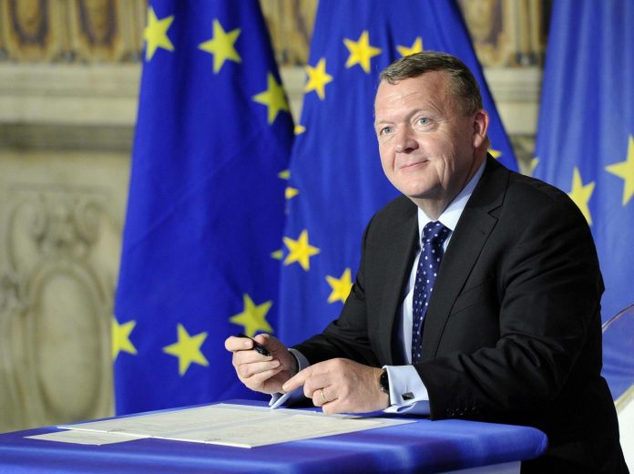 Lars Lokke Rasmussen si dimette