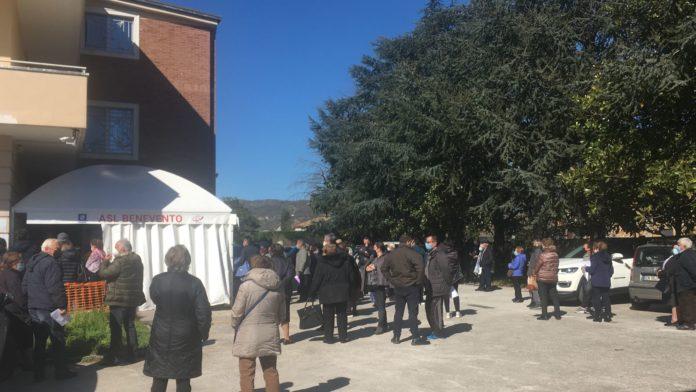 Il centro vaccinazioni allestito dalla Asl di Montesarchio